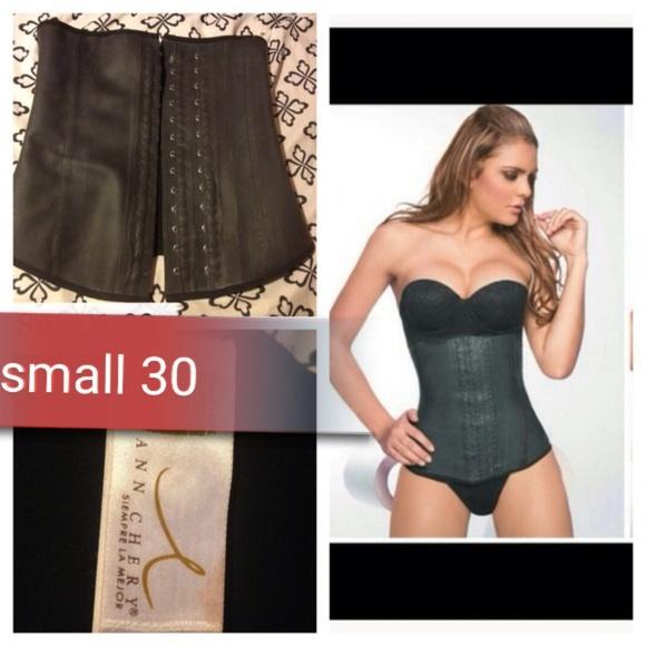 77838a67d06 Ann Chery Other - Ann cherry waist cincher size 30